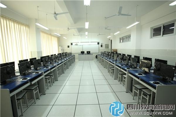 计算机室.jpg