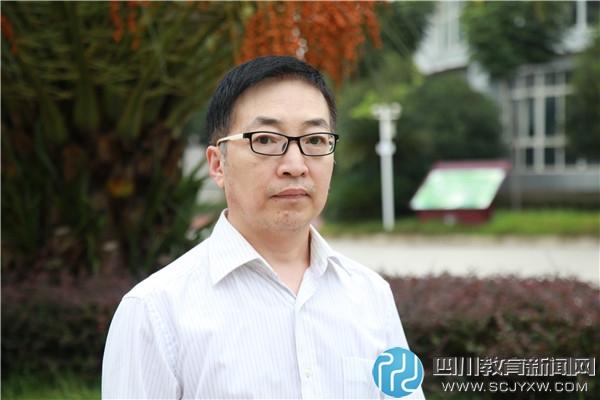 杨文雄2.JPG