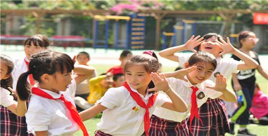 站东小学举行校园舞蹈大赛 提高学生艺术素养