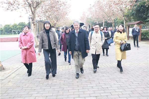 深圳市龙华区教育科学院院长到实小明道共议教育之道