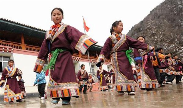 四川将投入近10亿改善藏区学校办学条件