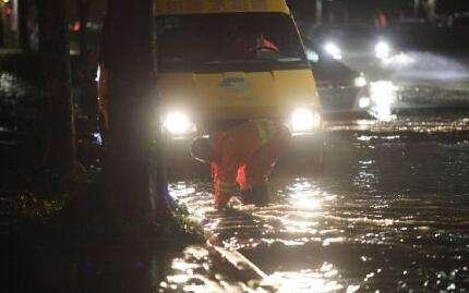 深圳暴雨突发洪水已致10人死亡1人失联