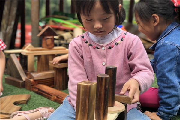 夕佳山幼儿园:小小建构区 玩出大智慧