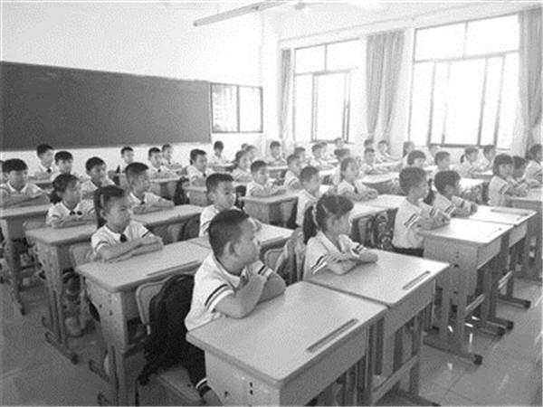 四川省为凉山州首批下达义务教育教师编制978名