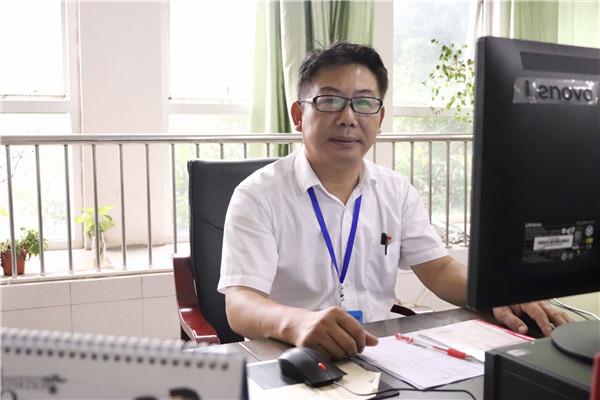 南溪职业技术学校 杨方金