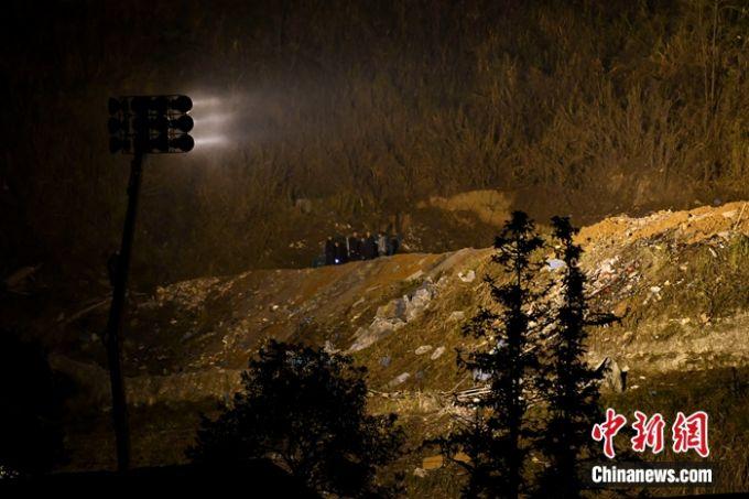 湖南烟花厂爆炸事故致7死13伤 厂房被炸平