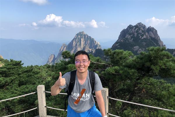 文翁实验中学副校长 张晓峰