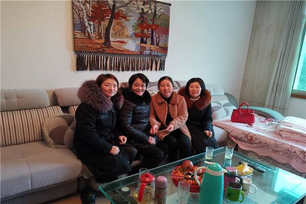 江安县幼儿园开展春节走访慰问退休老教师老党员活动