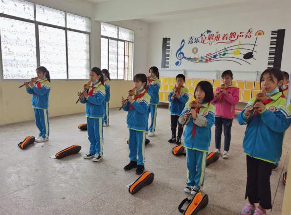 宣汉县凤林乡中心校:多彩社团活动 丰富校园生活