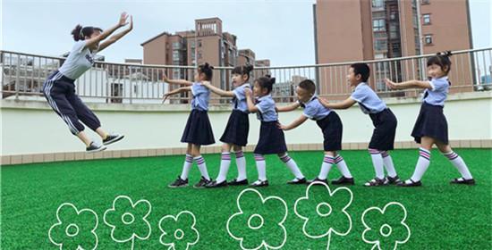 爱在毕业季 成都天府新区正兴幼儿园毕业照展风采