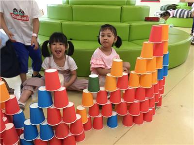 """橙乡幼儿园开展""""玩中学、建中乐""""主题建构活动"""
