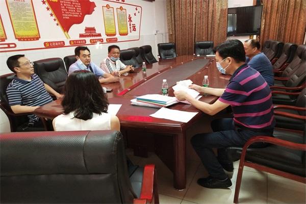 市教育局副局长梁开禹到沙湾职中检查安全工作