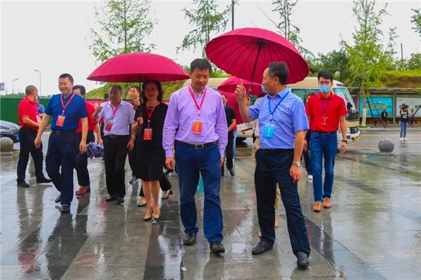 绵阳市委领导一行到绵阳富乐国际学校视察中考组织工作