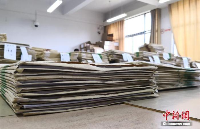 各地高招录取工作密集开启 录取通知书陆续寄出
