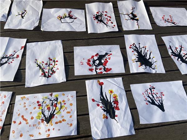 """橙乡幼儿园开展""""吹点梅花""""创意美术活动"""
