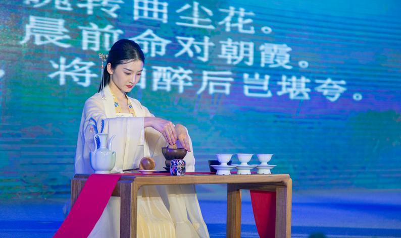 学茶道 悟茶礼 成都教科院附属幼儿园亮相茶博会亲子茶会