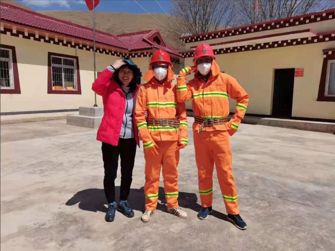 市二医院派驻甘孜县驻村队员积极开展草原森林防灭火工作